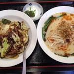 四季紅 - セットメニューの回鍋飯+台湾豚骨ラーメン(780円)