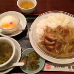 28524990 - これが、火曜日限定日替まかないランチ(700円)杏仁豆腐が本当に「豆腐」で美味しいですw