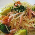 カスターニャ - 桜海老と季節野菜のパスタ(季節メニュー)