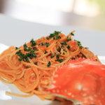 カスターニャ - 生きたまま蒸した渡りが二のトマトクリームパスタ