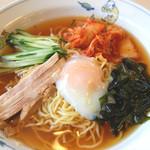 テンホウ - 料理写真:水キムチを使った韓国風冷麺