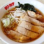 テンホウ - 料理写真:さくさくの豚ロースのから揚げがのった肉揚げラーメン
