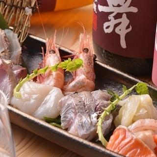 築地直送鮮魚と熟成刺身が一度に味わえる刺盛