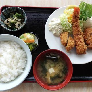 南三陸ドライブイン ひかど食堂 - 料理写真:ミックスフライ定食