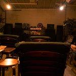 ジャズ喫茶 jam jam - ureiのスピーカーからjzaaが大音量で流れます。