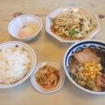 テンホウ - 料理写真:野菜炒めとミニラーメンのセット。ミニラーメン定食