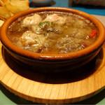 バル de Ricotta - 若鶏と砂肝のアヒージョ