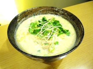 なか屋 - 豚醤油ラーメン ¥750(税込¥810)