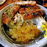 二代目 勝烈亭 - ソースカツ丼(大盛;途中で生たまごをかけて)