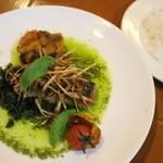 アダムとイブ - 料理写真:コースの魚料理(スズキのソテーバジルソース)
