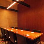 板前ごはん 音音 - 6名~10名様までの個室(天井は他の部屋と繋がっております)