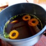 鳴海餅 - 赤出汁付き。