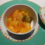 チャイナ 梅の花 - 海老と生麩のチリソース煮