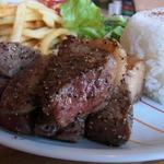 サンディーズ カフェダイニング アンド ファンジャンク - 料理写真:ビーフグリルセット(税込み1728円)のすごい量のビーフ