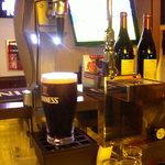 クロスバー - 生ビールはギネスとハートランドをご用意