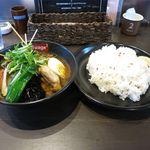 スープカレー スアゲ2 - パリパリ知床鶏と野菜カレー(大ライス、大辛、1,150円)