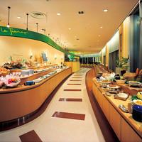 ビュッフェレストラン ラフォーレ - 開放感のある店内