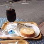 ミヤハラ - ロールケーキとアイスコーヒー