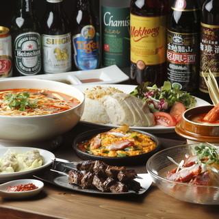アジア各国のビール、お酒を取りそろえてお待ちしております。