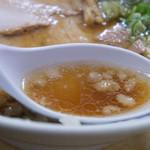 尾道ラーメン 宝竜 - 3)尾道風ラーメンのスープ