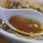 尾道ラーメン 宝竜 - 2)尾道ラーメンのスープ