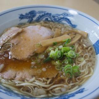 尾道ラーメン 宝竜 - 料理写真:1)尾道ラーメン(700円)