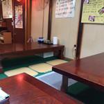 28576437 - お座敷?小上がり?でいただきました。4テーブル。カウンターやイスのテーブル席もあります。