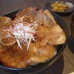 syokudo ぱくり亭 - 料理写真:豚丼 690円