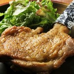 Ohana - 鶏もも1本揚げ 880円