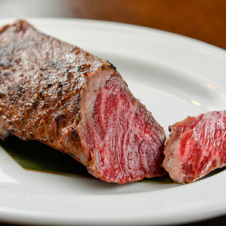 県産の炭火焼きお肉