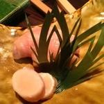 鮨旬美西川 - 当店のガリはぶつ切りです。酢漬け生姜本来の食感が楽しめます。