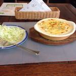 ストロベリーキャンドル - サラダとグラタン