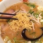 28586537 - 麺は極細縮れ麺@2014/6/28