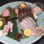 酒肴旬漁 狸穴 - 刺身4点盛り