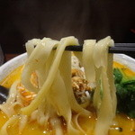 蒲田刀削麺 - 麺リフト