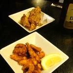 博多黒鉄 - 若鶏の唐揚げとタコの唐揚げ