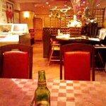 龍花門 - 中華料理レストランのほぼ正しい雰囲気。