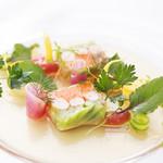 ロイヤルシャンパーニュ ジョウスイ - 海老と季節野菜のテリーヌ