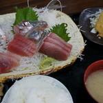 福浦漁港 みなと食堂 - お楽しみ定食 2,000円の刺身