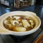 元祖 むらさき - お鍋にきりたんぽを投入します。