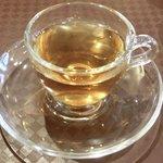 SHU - バジル香る豚肉炒め 980円 のお茶