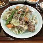 SHU - バジル香る豚肉炒め 980円