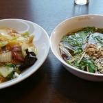広東料理 シュウロン FS - 二つ並べて撮ってみました