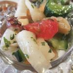 カフェ 鎌倉美学 - タコとエビとたっぷり野菜のマリネアップ