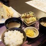 ゆかわ - お魚の入った天婦羅定食