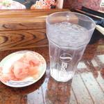 回転寿司 一番亭 - ガリとお水