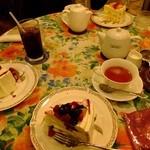グロヴナーカフェ - ケーキセット3名分(2014.06月)