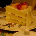 グロヴナーカフェ - いちごとマンゴーのショートケーキ(2014.06月)