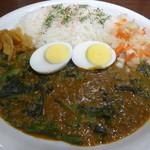 CoCo壱番屋 - 印度カレーライス+ほうれん草に茹で卵とピクルスをトッピング