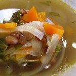 L'OASINA - 本日のスープ【レンズ豆と野菜のスープ】具はこんな感じ♪